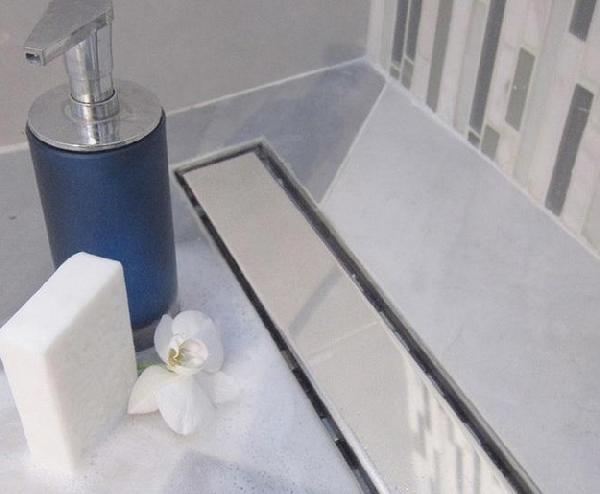 Mofém Linear MLS-650 KF Sarok Zuhanyfolyóka Mintázat Nélküli